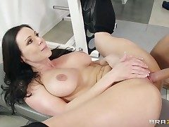 Hot brown gets her pussy sucked overwrought his boyfriend