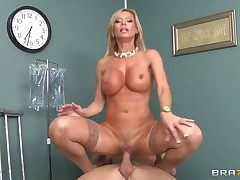 Johnny Sins enjoys cute Amber Lynns