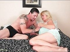 Fat platinum-blonde Tahnee Taylor sucks his firm cock