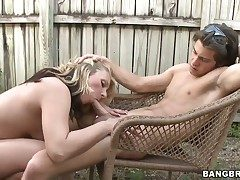Roxxanne Bliss just loves to ravage and cant