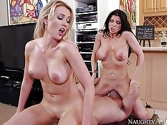 Romi Rain and Gigi Allens turn guy on to the